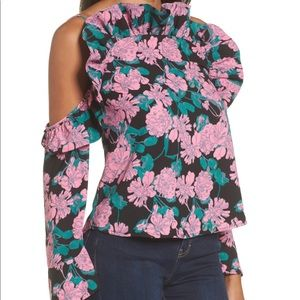 NWT Leith Ruffle Cold Shoulder Top. Size Small!
